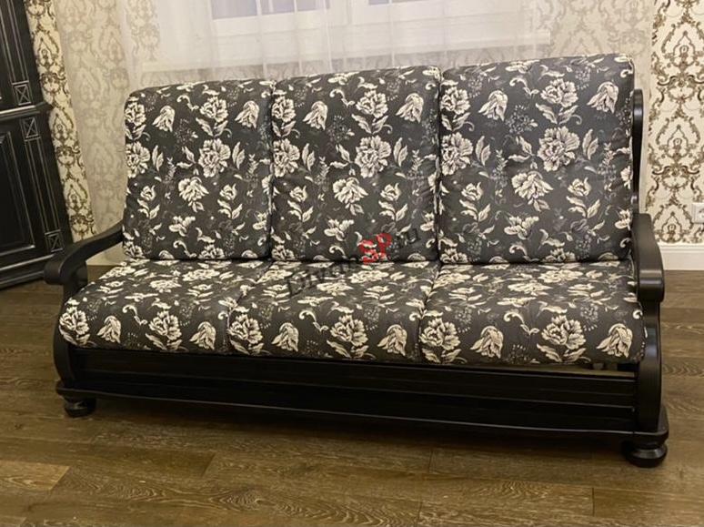 Диван трехместный с декором из бука и французской раскладушкой Амадей
