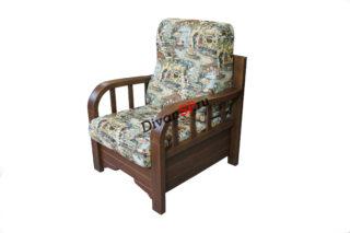 Мягкое кресло с деревянными подлокотниками и спинкой Домино