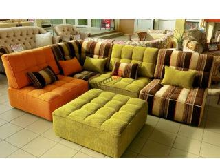 диван из кресельных модулей Домино цветной с пуфом
